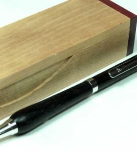 Bog-Oak-Twist-Pen-gift